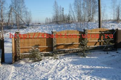 декоративный забор из бетонных заборных блоков/