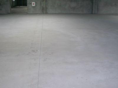 Бетонный пол, наливной пол, пол с упрочненным верхним слоем/