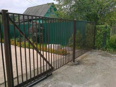 Забор из трубы/
