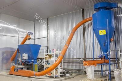 Компания «ЭКОРМ» более 15 лет поставляет оборудование по переработке отходов животного происхождения, отходов убоя, а также падежа. В результате переработки получается экструдированная кормовая продукция./