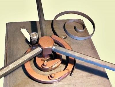 Кузнечное <a target=_top  href=/poisk/оборудование><big>оборудование</big></a> для холодной ковки. Гибочные станки. Трубогиб. Кованые изделия. Художественная холодная ковка металла./