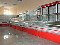 Предлагаем металлические торговые стеллажи как новые, так и бывшие в употреблении следующих видов: пристенные; островные; угловые; хлебные.  Пристенные стеллажи устанавливаются вдоль стены, островные стеллажи располагаются в центре торгового зала в маг/