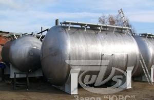 """Завод """"ЮВС"""" изготавливает : емкости, резервуары стальные, резервуары для нефтепродуктов, емкостное оборудование, емкости подземные, емкости для АЗС, силосы, реакторы, сосуды под давлением, аппараты с мешалками, диссольверы, автоклавы./"""