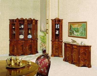Производим классическую итальянскую мебель из массива бука. Мебель для дома, мебель для гостиниц, корпусная и мягкая мебель из массива:столы, стулья, шкафы-витрины,горки,комоды диваны, кресла, банкетки, подставки под цветы, консоли, мебель под заказ, рес/